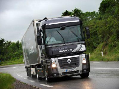 Renault представит два грузовика с газовыми двигателями